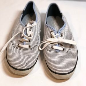 GUC Keds Pinstriped Sneaker Size 8